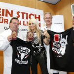 DORO PESCH E LA WAKEN BLOOD DONATION